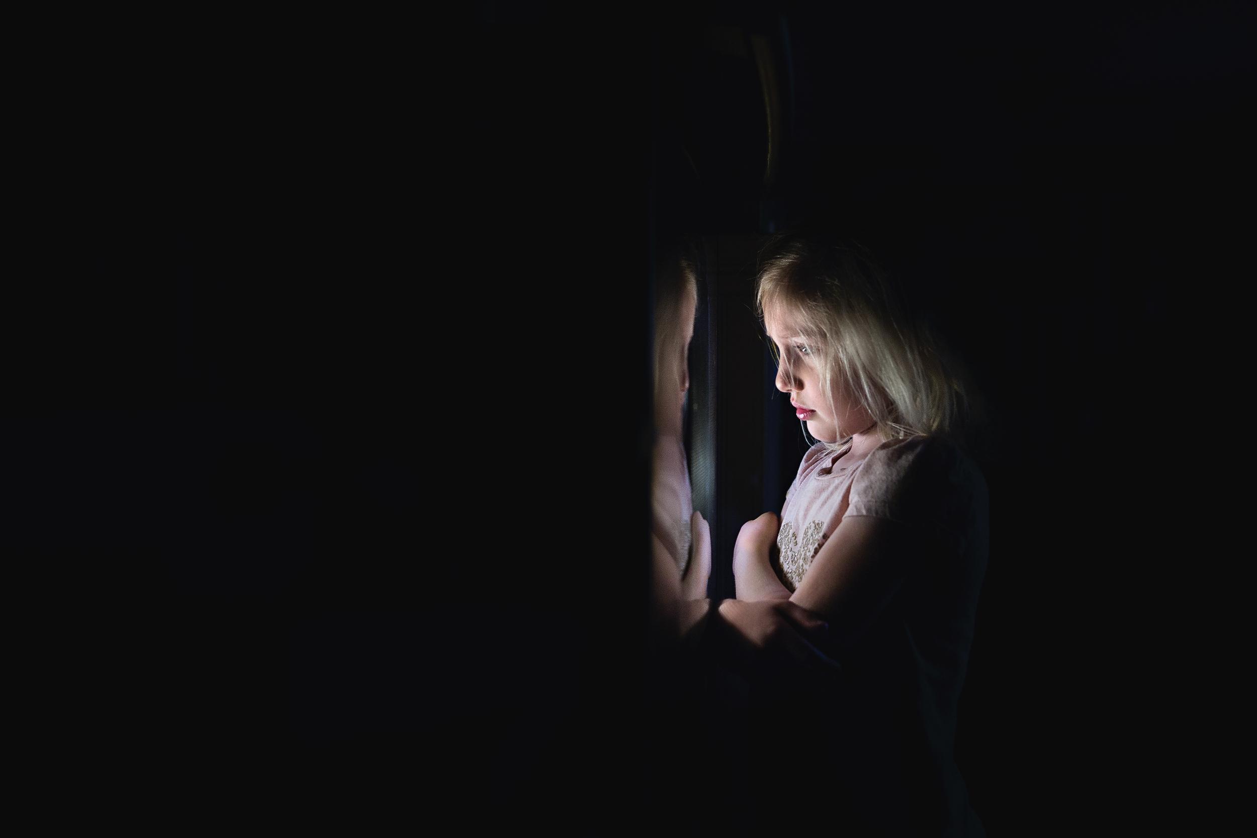 Long-Island-family-photographer-hello-olivia-photography-oven-light