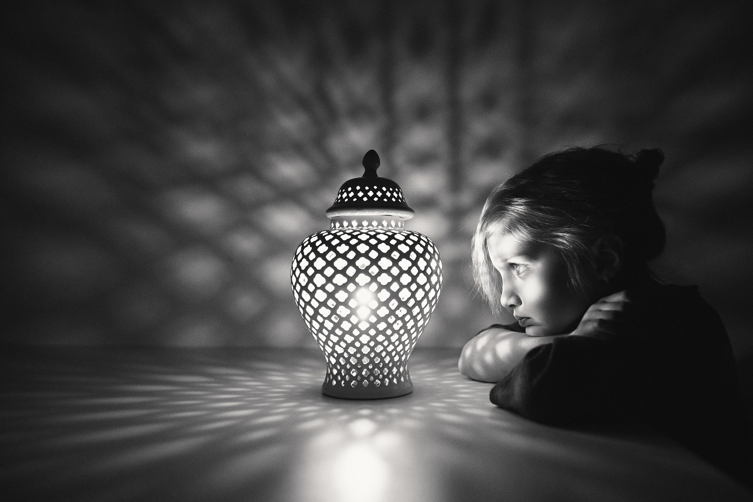 Hello-olivia-photographer-long-island-family-portrait-photographer-light-patterns