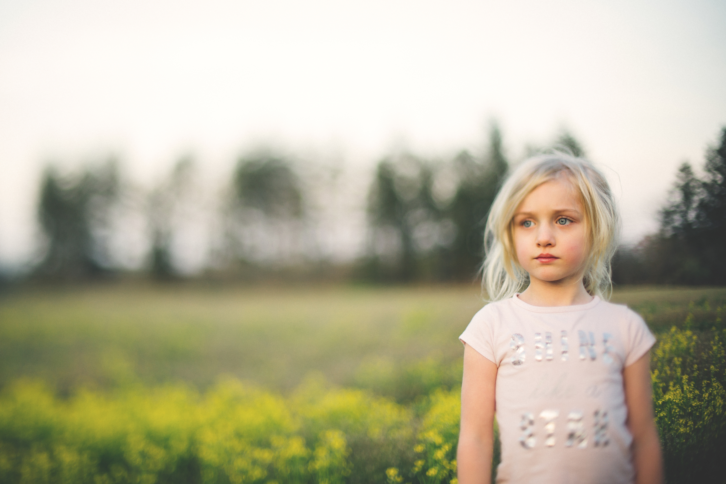Hello_Olivia_Photography_Long_Island_Family-children-Photographer_field-of-yellow-flowers-freelensed