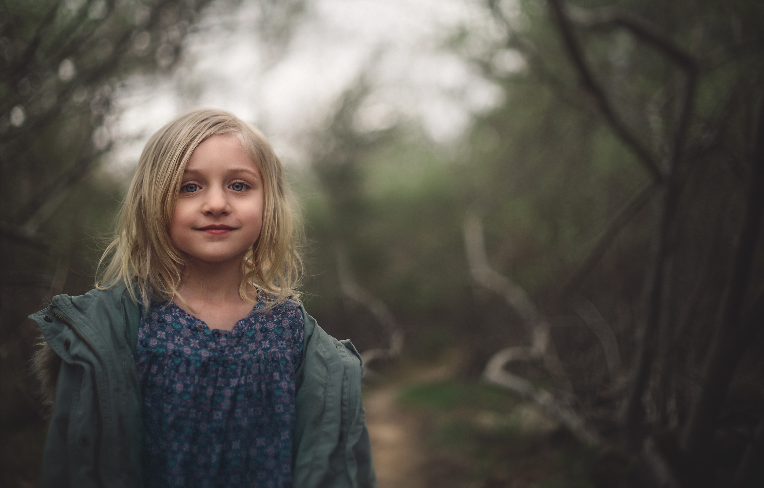 Hello_Olivia_Photography_Long_Island_Family-children-Photographer_into-the-woods-freelensed.jpg
