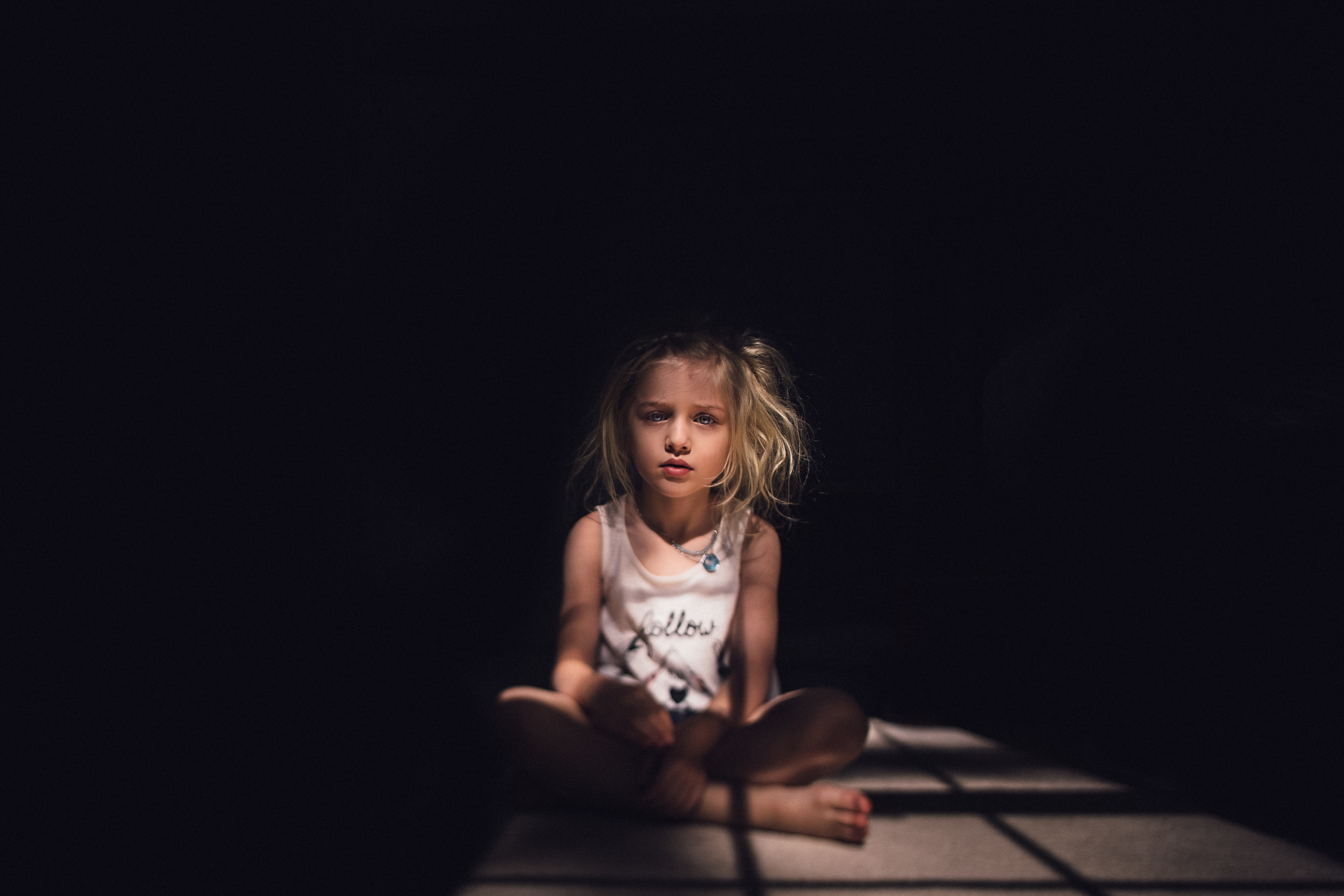 hello-olivia-photography-long-island-family-child-kids-lifestyle-portrait-photographer-pocket-light-tilt-shift-blonde.jpg
