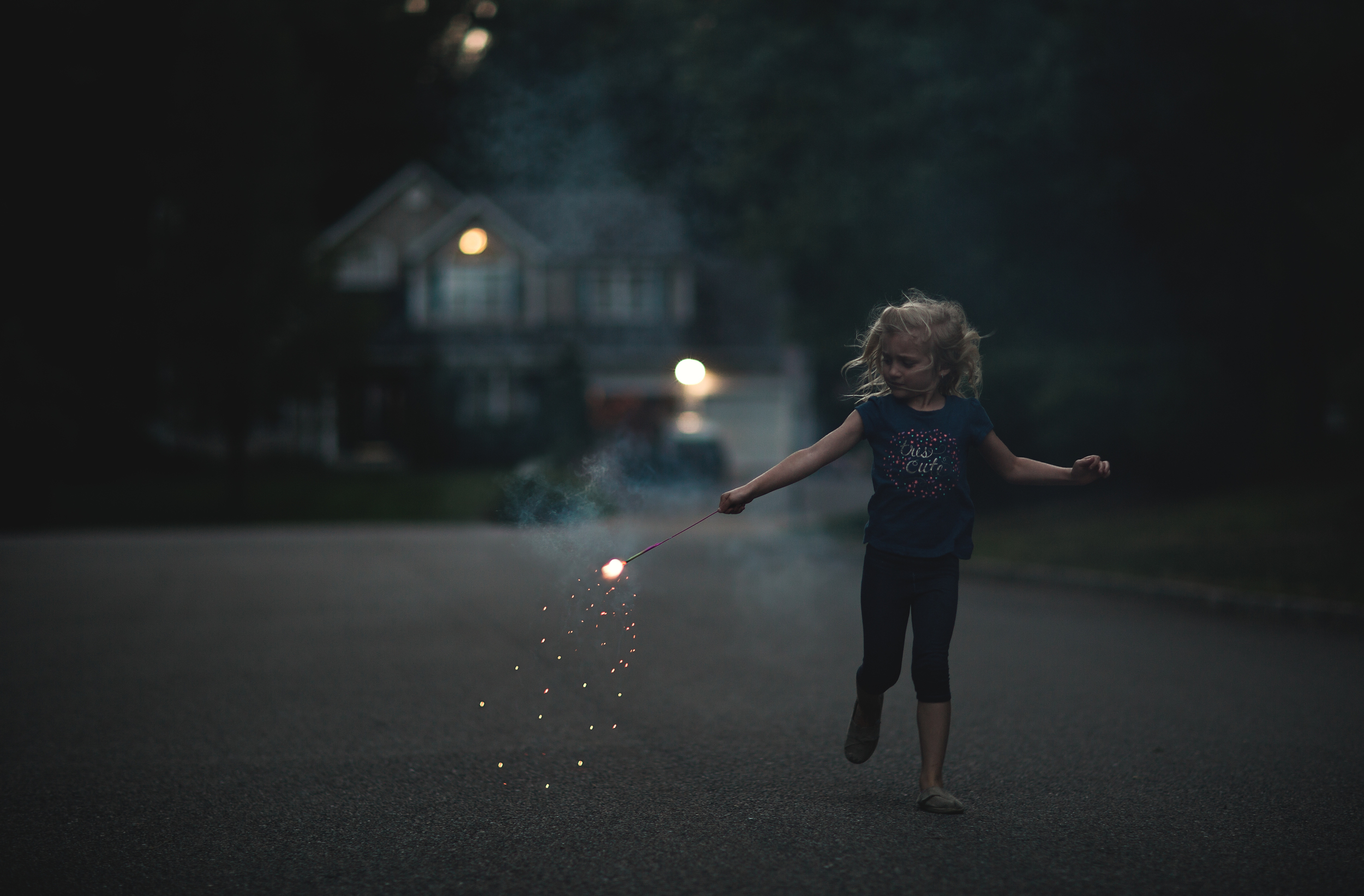 Long-Island-Family-Photographer-Children-Suffolk County - Hello-olivia-photography-lifestyle-sparkler-fire-works.jpg