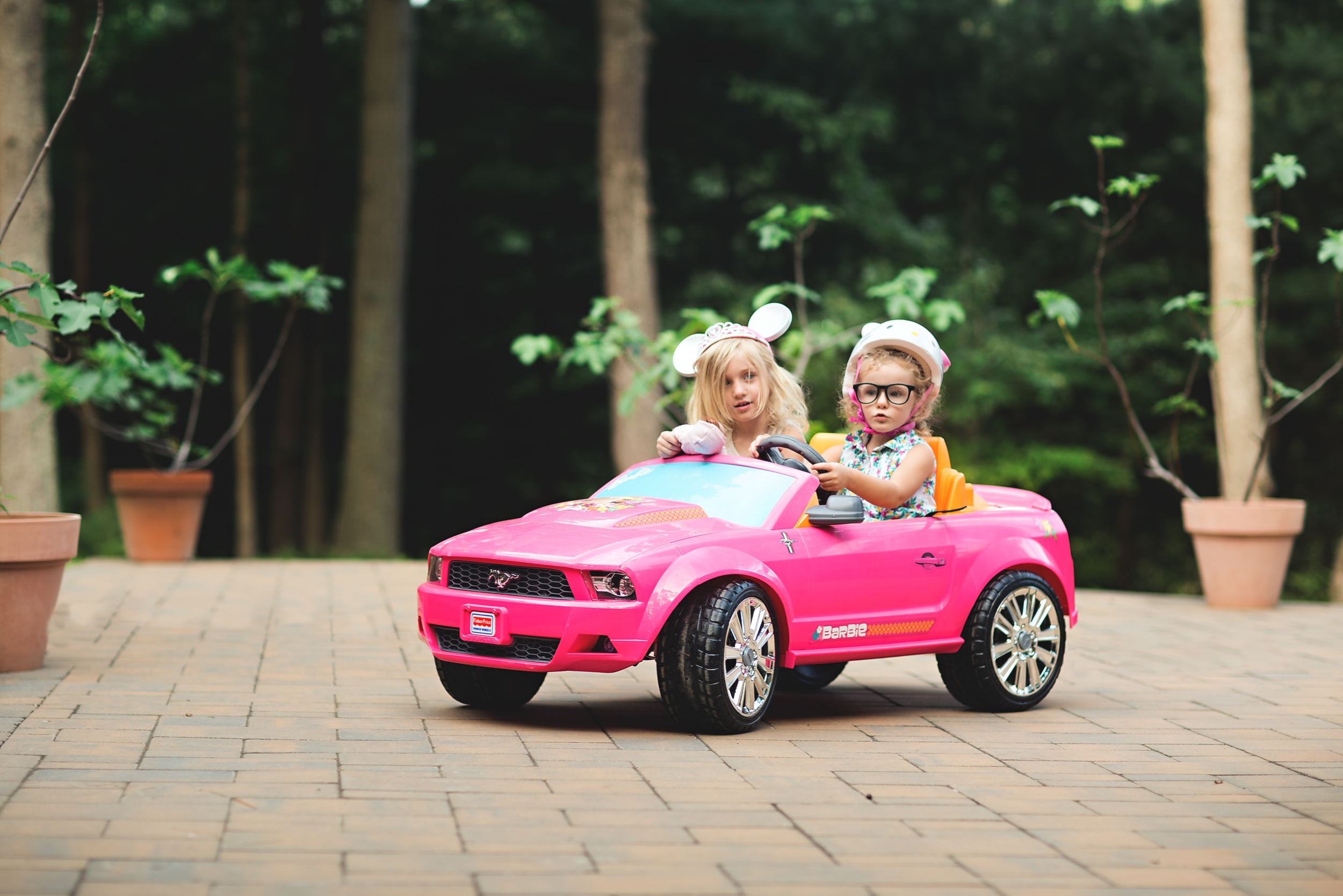 Long-island-photographer-hello-olivia-photography-family-child-dress-suffolk-sister-friends-car-lifstyle