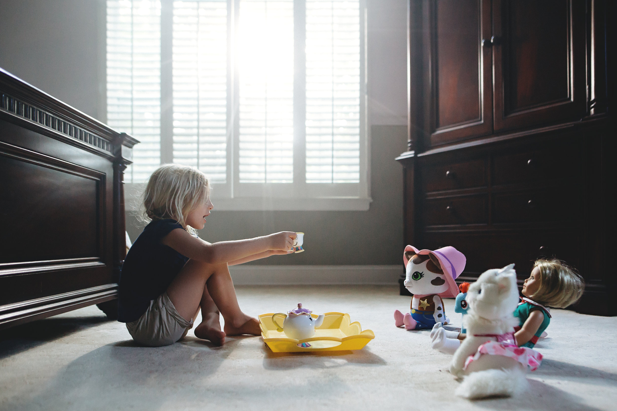 Hello-olivia-photography-long-island-children-lifestyle-tea-party.jpg