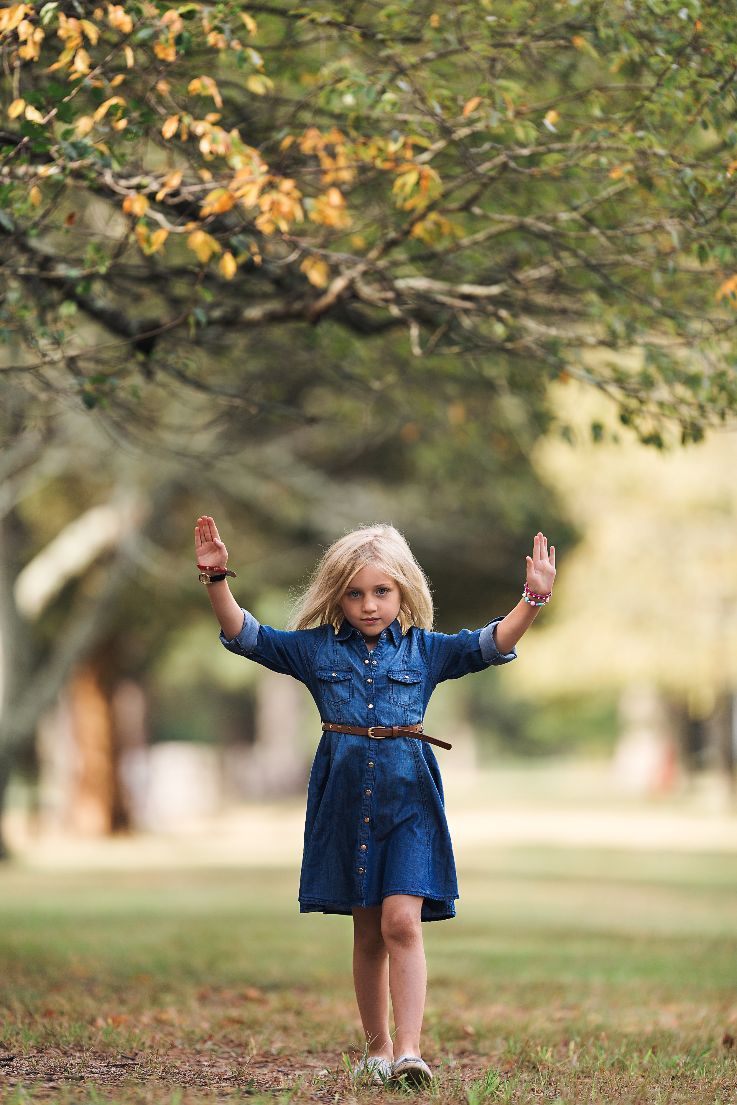 Hello-olivia-photography-Long-island-photography-children-session-family-lifestyle-hnds-up.jpg