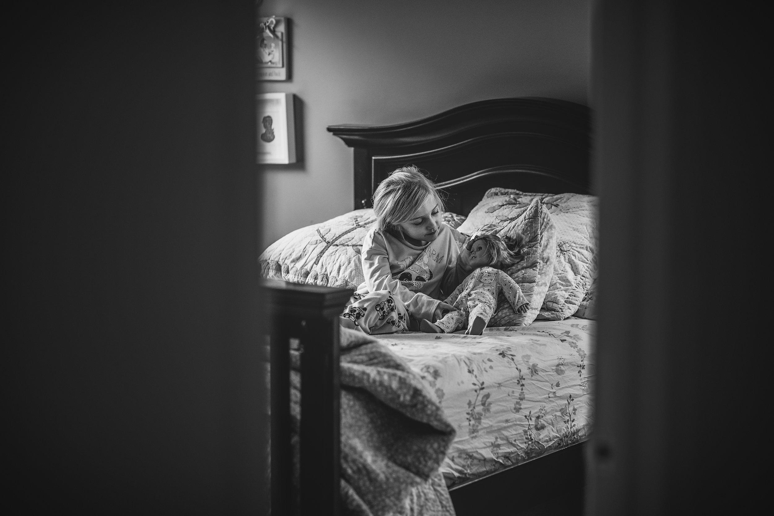 hello-olivia-photography-long-island-photographer-lifestyle-suffolk-girl-bed-pajamas-american-girl.jpg