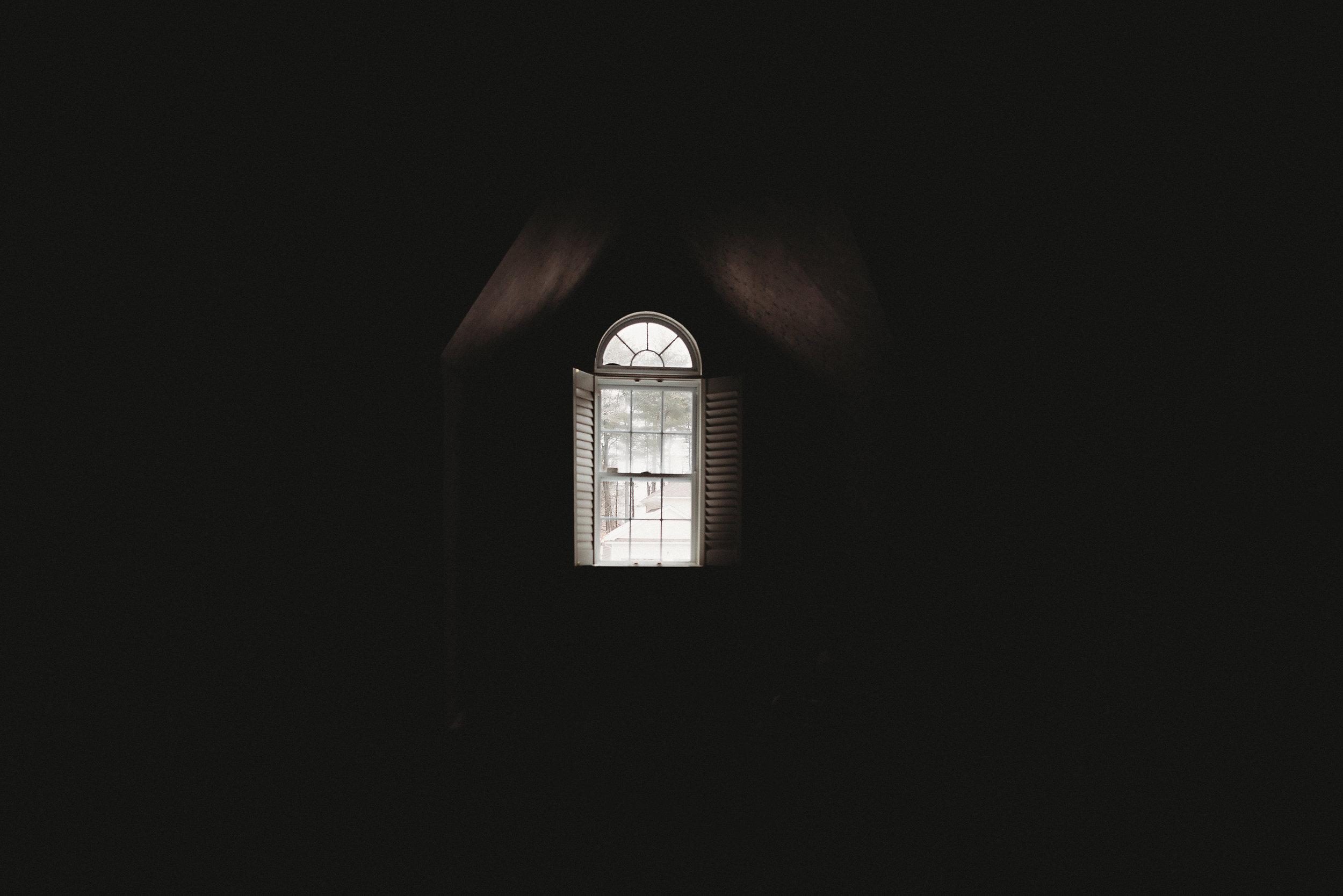 hello-olivia-photography-long-island-photographer-lifestyle-suffolk-window-light.jpg
