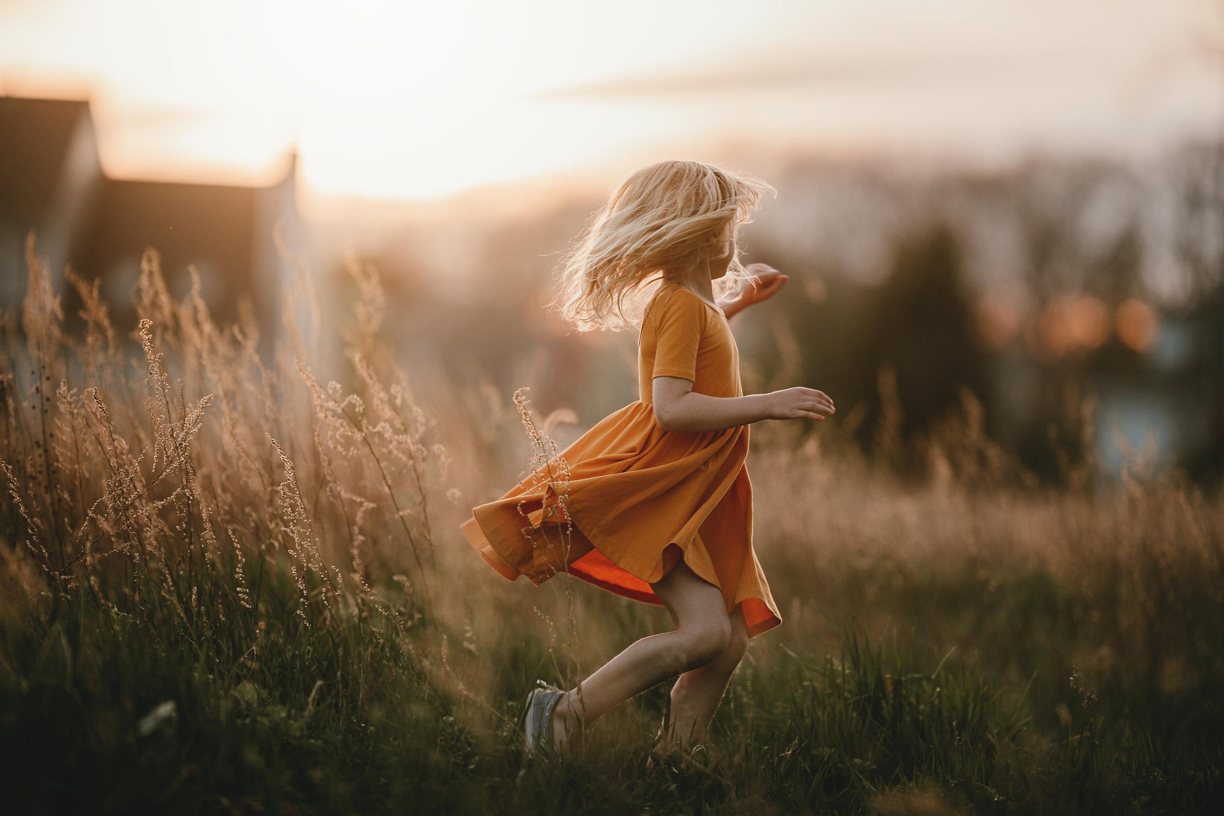 Hello-olivia-photography-long-island-photographer-children-lifestyle-dancing-golden-light.jpg