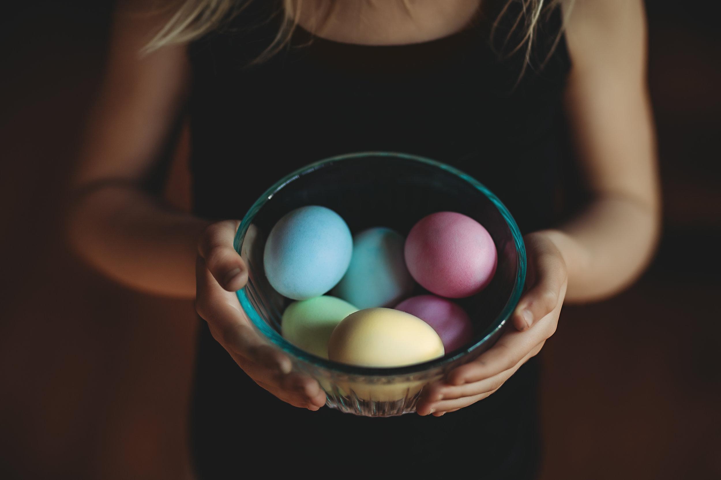 Hello-olivia-photography-long-island-photographer-children-lifestyle-easter-eggs.jpg