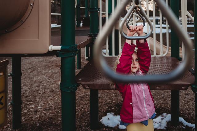 hello-olivia-photography-long-island-photographer-children-family-portraits-playground-monkey-bars4.jpg