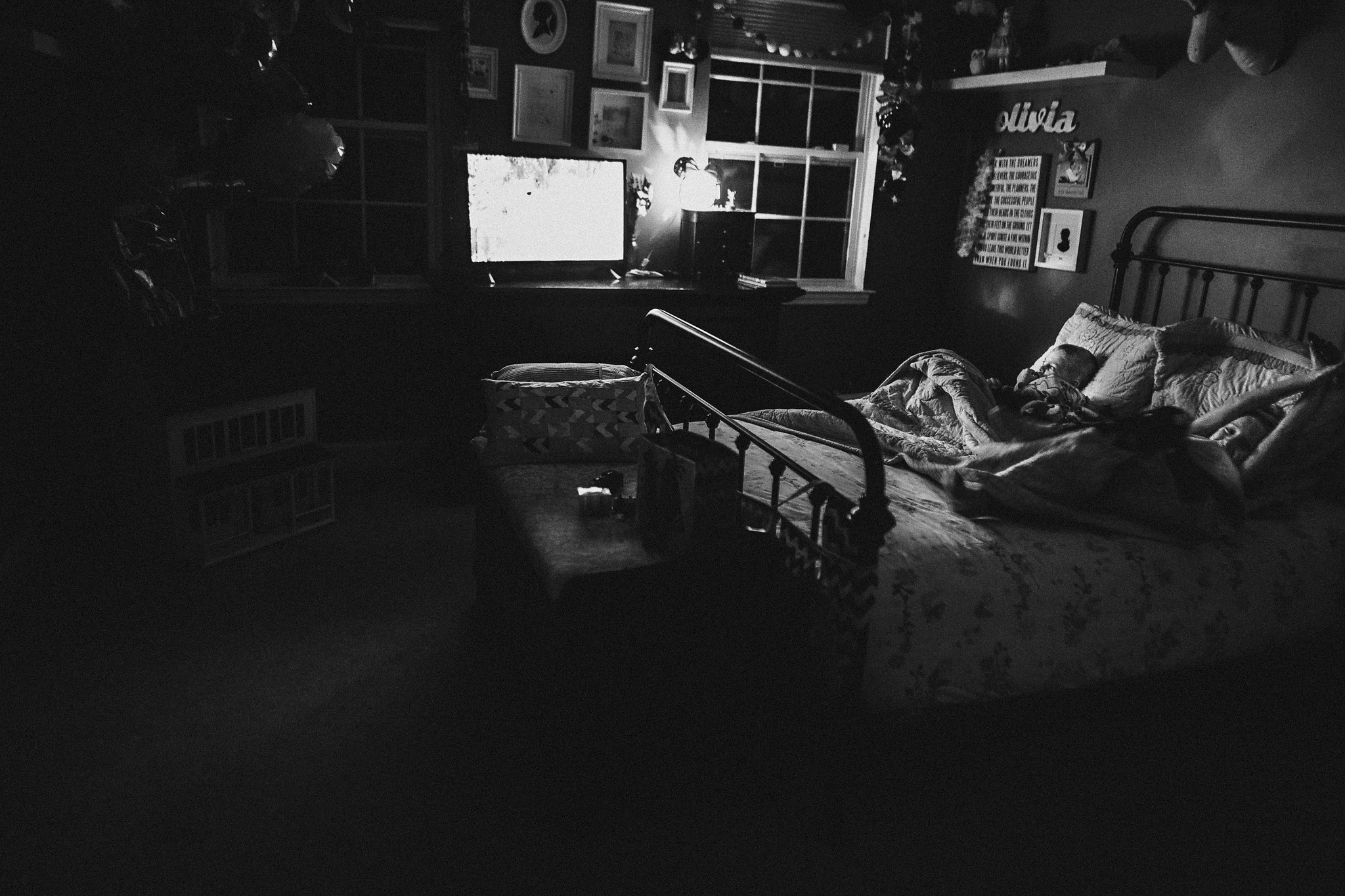 hello-olivia-photography-family-photojournalism-365-tutorial-documenting-bedtime-rituals-lowlight-kids-documentary-and lifestyle-photographer-long-island-new-york10.jpg