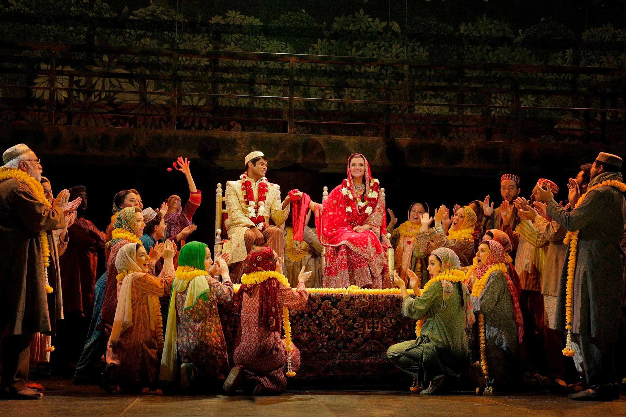 Shalimar the Clown  / Opera Theatre of Saint Louis Photo: Ken Howard