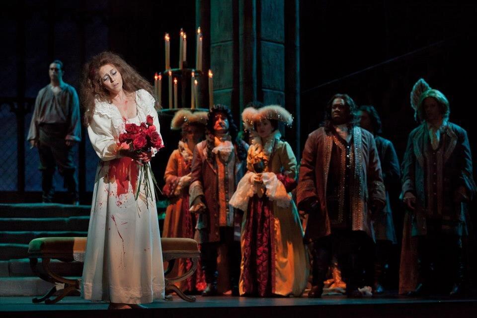 Lucia di Lammermoor  / Arizona Opera Photo: Jeff Reeder