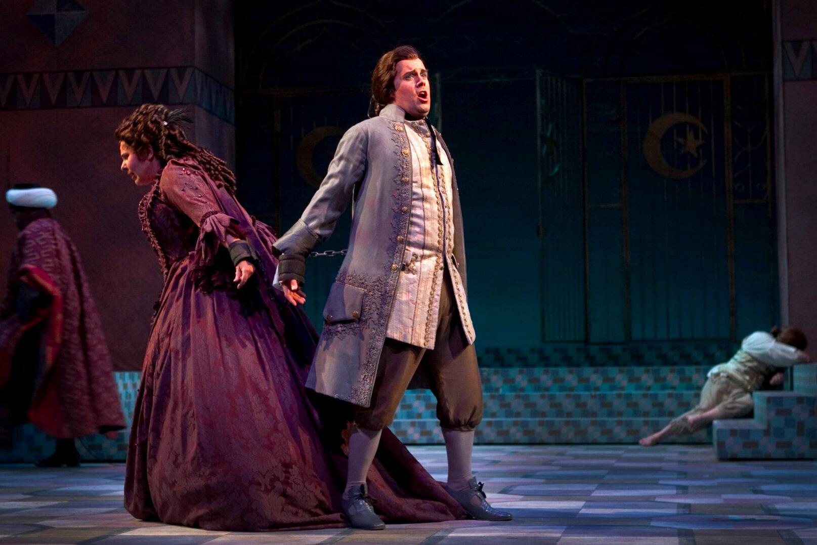 Die Entführung aus dem Serail  / Arizona Opera Photo: Tim Fuller