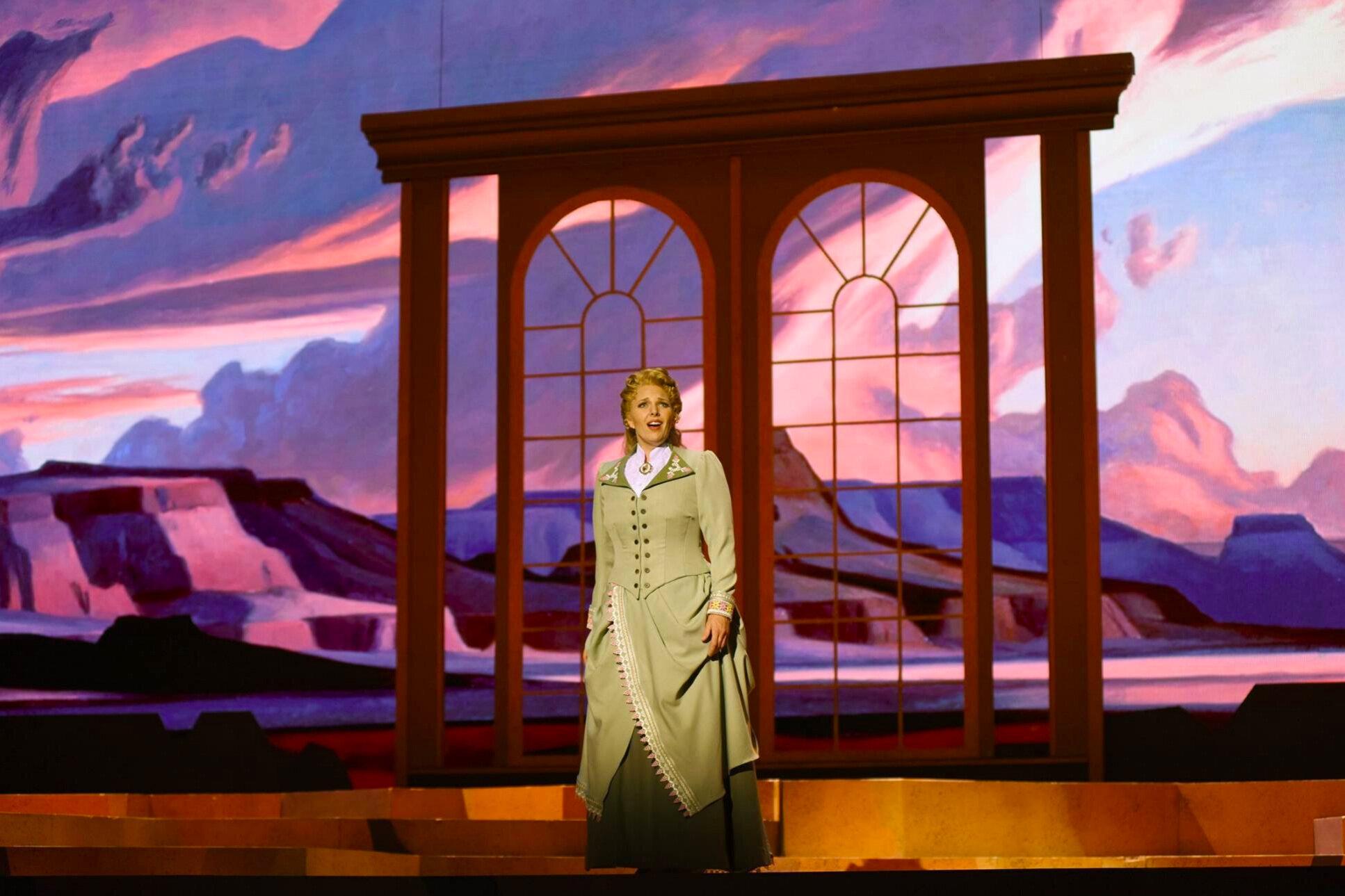 Riders of the Purple Sage  / Arizona Opera Photo: Tim Trumble