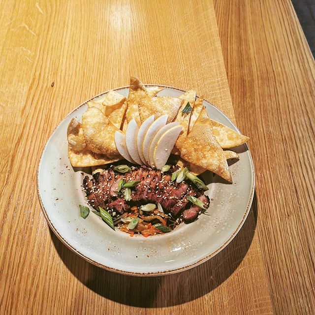 Chefs share plate this evening! Pork belly, purple slaw, smoked apple + sambal sauce, kimchi, roasted peanuts, green onion, Asian pear, crispy fried wontons.