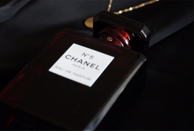 Chanel-No-5-Limited-Edition-Review.jpg