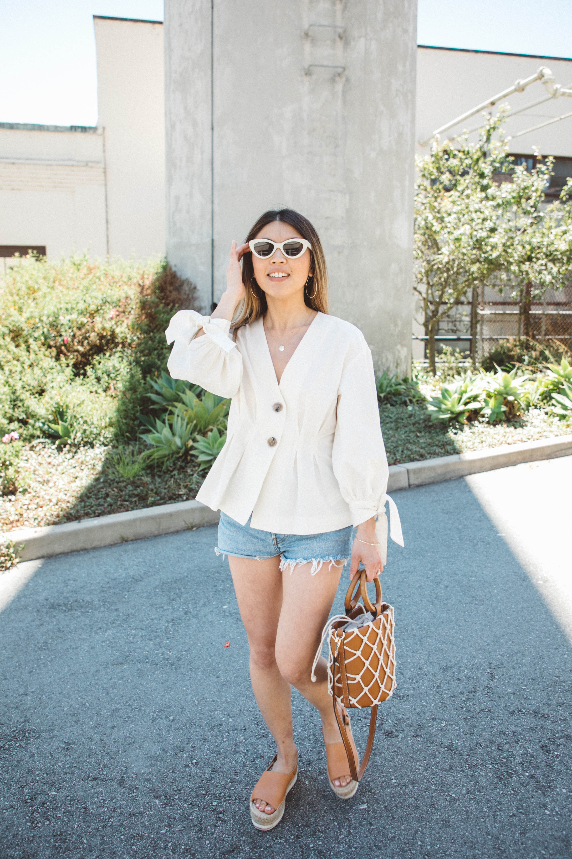 chic-denim-shorts-outfit.jpg