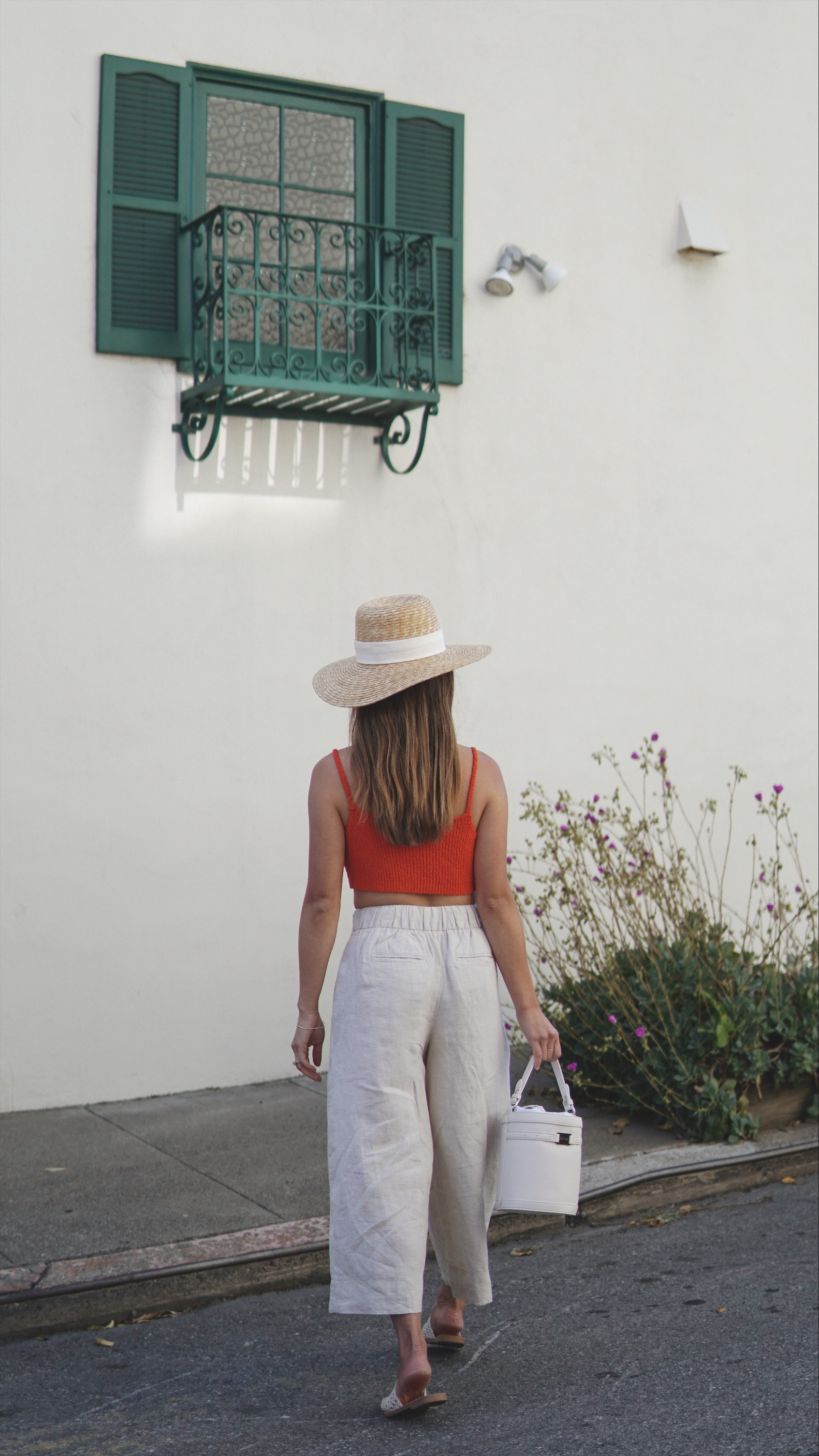 linen-pants-outfit.jpg