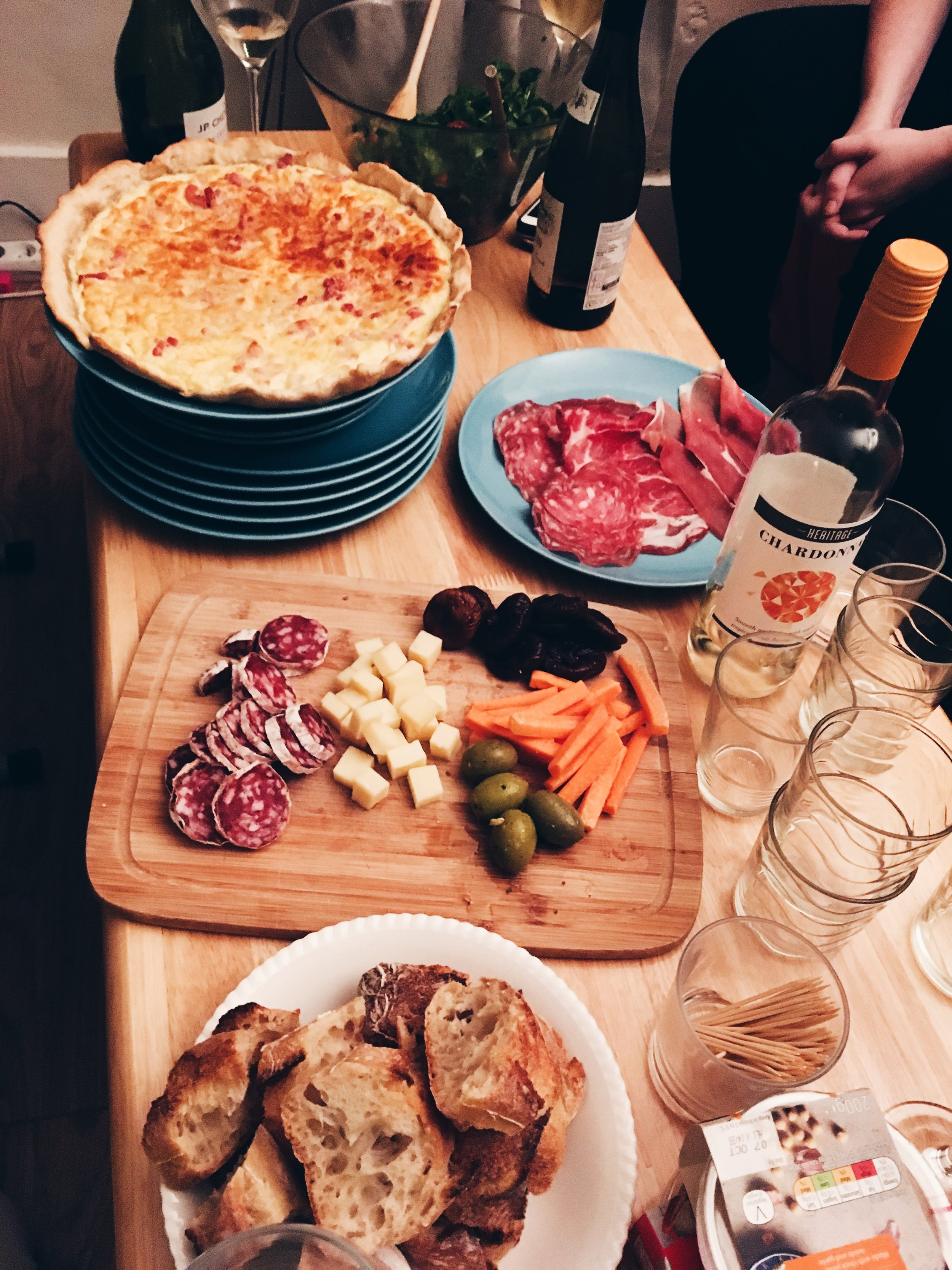 Luckily my new friends all share my passion for good food and the finer things in life!  Wine 🍷, Cheese 🧀, and charcuterie 🥓 🥖 parties!😍🤤😀
