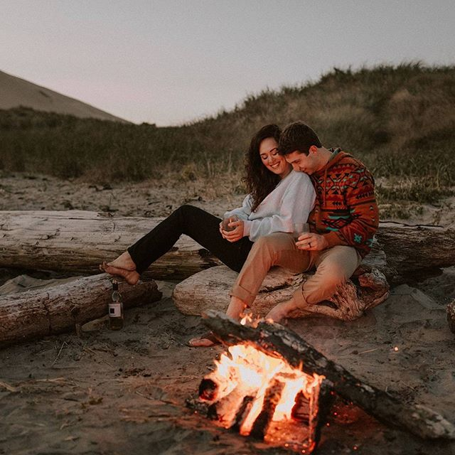 More nights like this please! 😍🙏🏻 Loved warming up with these two after our beach session! . . . . . . . . . . . #oregonengagement #oregonwedding #oregonweddingphotographer #portlandweddingphotographer #pacificcity #pacificcityoregon #pnwphotographer #pnwwedding #pnwweddingphotographer #engagedandinspired #portlandlifestylephotographer #exploreoregon #oregoncouplesphotographer #oregoncoast #oregoncoastphotographer #engagementphotography #engagementinspiration #pnwcouple #beachengagementsession