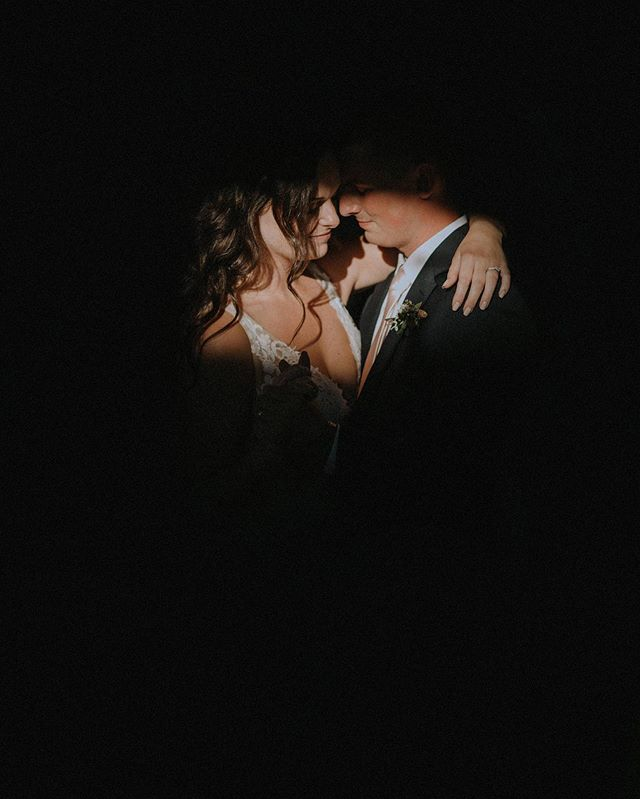 First Dance 🖤 . . . . . . . . . . . . . . . #oregon #oregonphotographer #oregonweddingphotographer #oregonwedding #oregonbride #portland #portlandphotographer #portlandweddingphotographer #portlandweddingphotography #portlandwedding #portlandbride  #elopementphotographer #oregonelopement #lookslikefilmweddings  #pdxweddingphotographer #pdxphotographer #pdxwedding #fallweddinginspiration  #pnwweddingphotographer photographer #pnwweddings  #greenweddingshoes #pnwwedding  #lookslikefilm #belovedstories  #pnwwedding