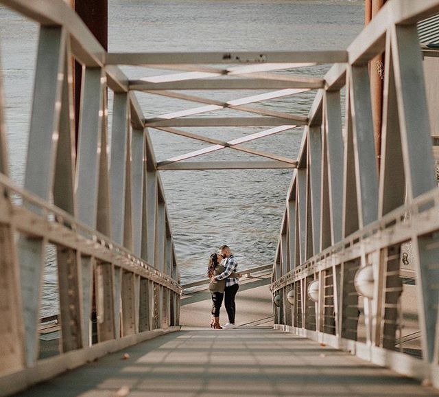 Happy Wednesday friends! I've had a full day carting my kids around and still have a night of editing ahead. ❤️ Send me podcast suggestions! . . . . . . . . . . ⠀⠀⠀⠀⠀⠀⠀⠀⠀ . . . . . . . . . . . . . ⠀⠀⠀⠀⠀⠀⠀⠀⠀ #oregonweddingphotographer #oregonphotographer #portlandweddingphotographer #portlandwedding #oregonbride #pnwwedding #pnwweddingphotographer #engagement #engagementsession #thatlight #moonlightdaydreamers #firstandlast #authenticlove #bride #brides #bridemagazine