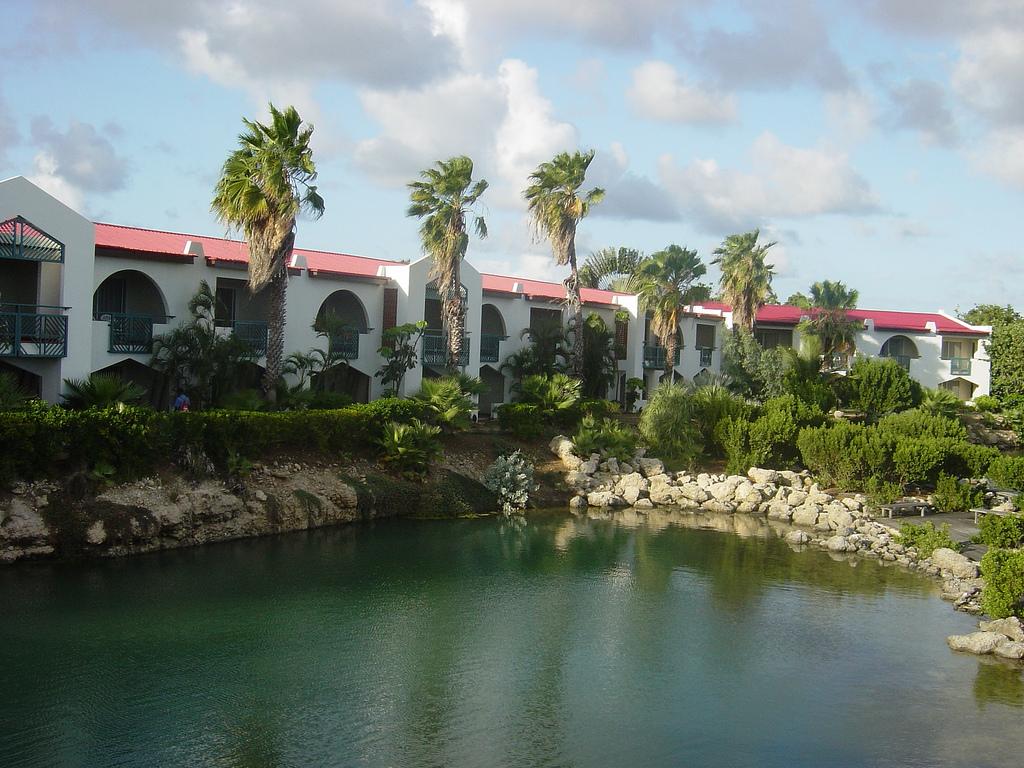 Plaza_Resort_Bonaire_hotel.jpg