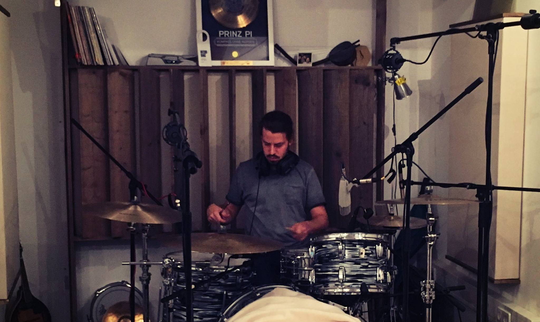 Henne Müller on Drums