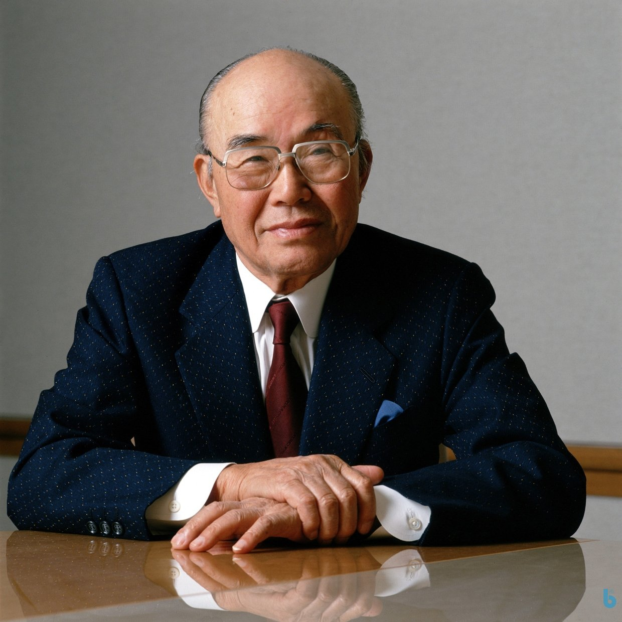 3. Soichiro Honda  Soichiro Honda is known as the best bicycle repairman in auto making. In  1940s , he manufactured a small engine that could be attached to a bicycle to create a motorbike and his attempt became successful. His first success encouraged him to jump into the competitive marketplace of  cars and his precedent success assisted him to go ahead and receive success.