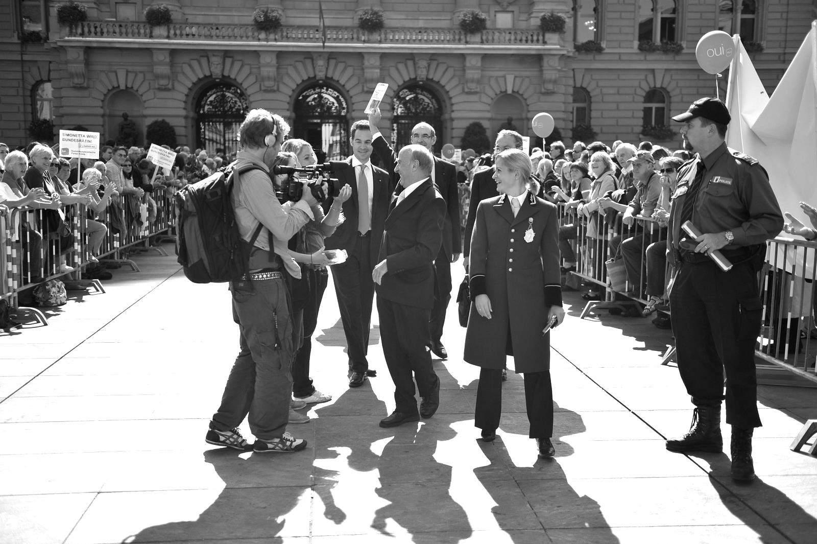 Hans-Rudolf Merz walking out