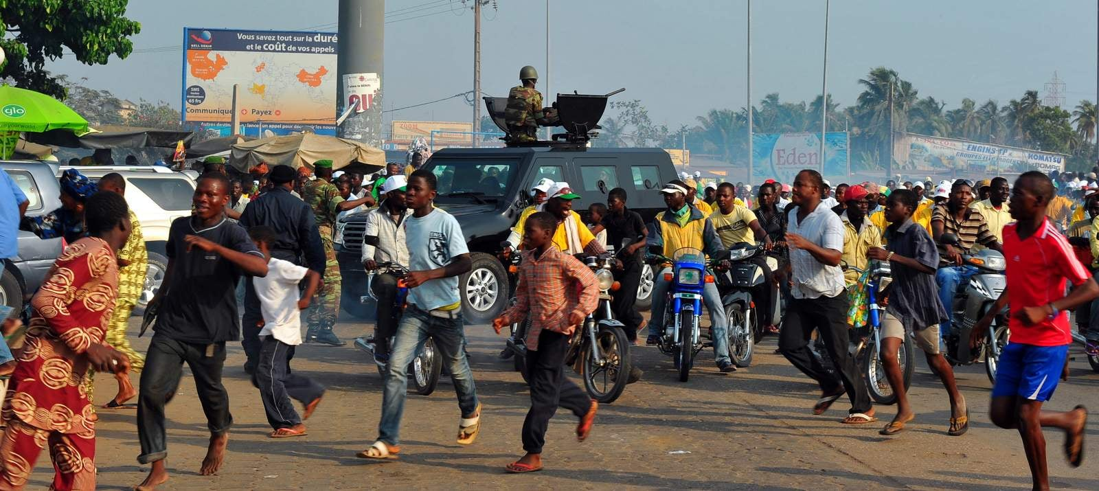 Mouvement de foule aux abords du stade