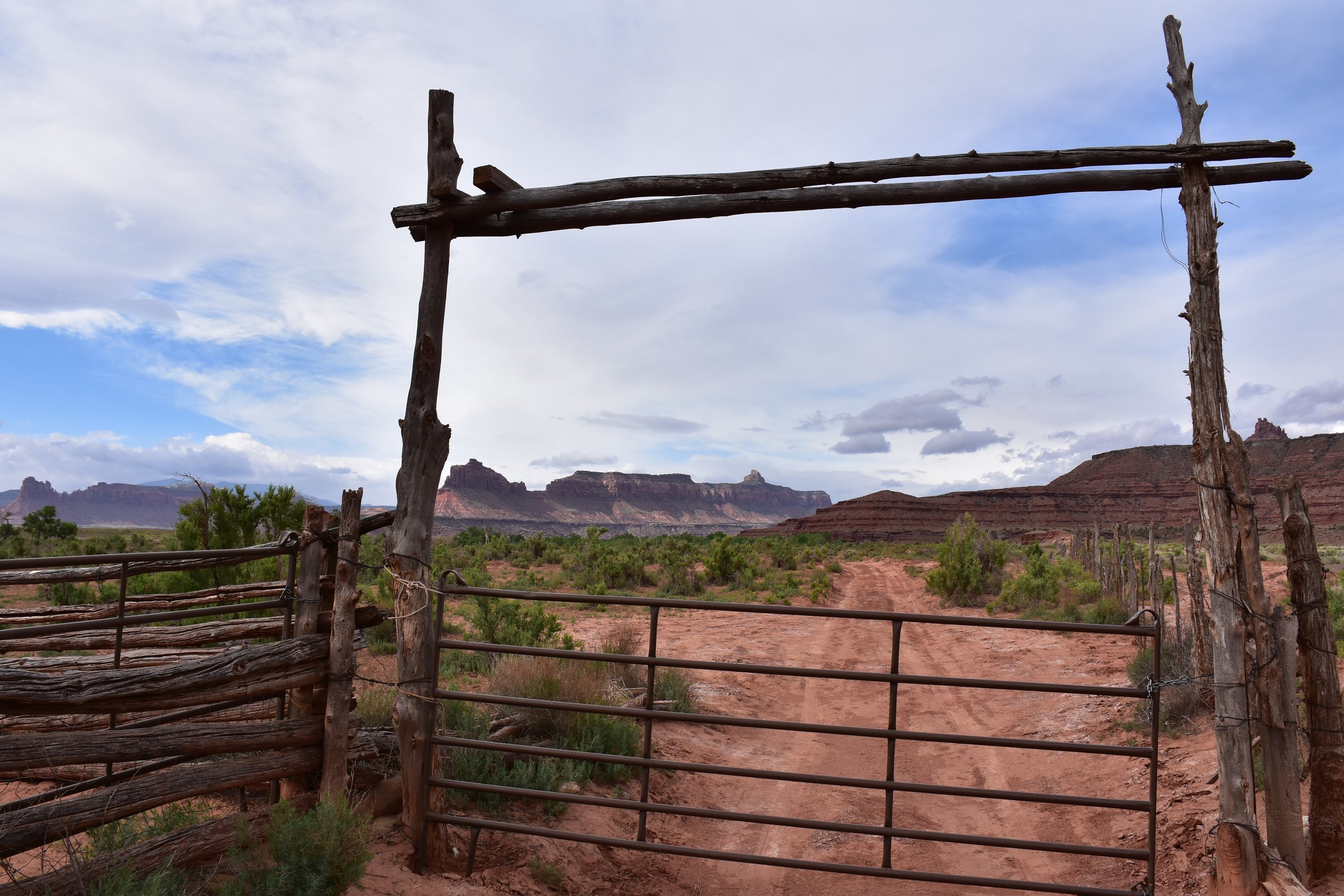 Chic-Stripes-Travel-Moab-Utah-1