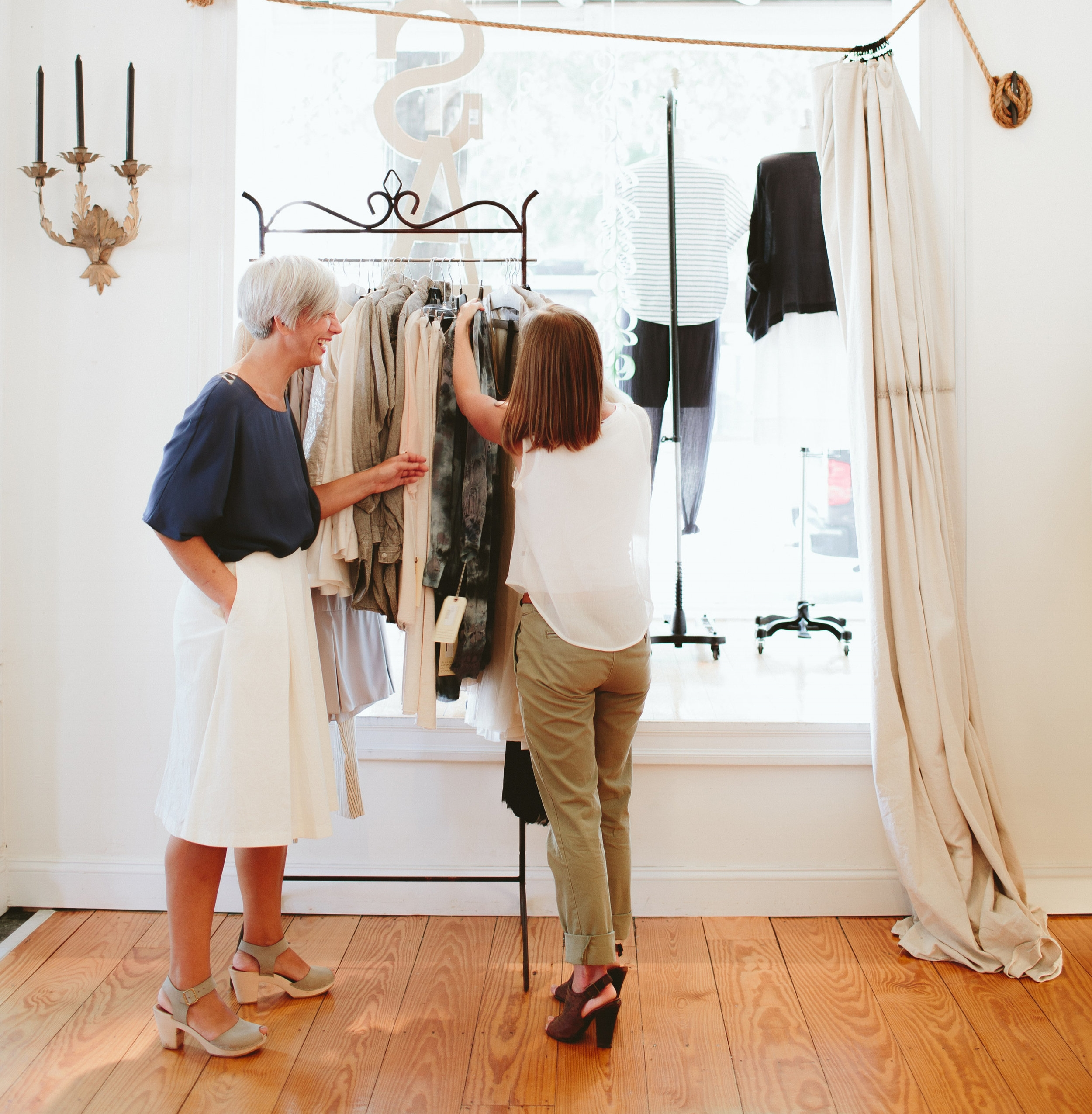 ARE YOU READY - TO STOP WASTING MONEY ON CLOTHES THAT YOU NEVER WEAR?TO CLEAN OUT AND ORGANIZE YOUR CLOSET?TO FINALLY DISCOVER YOUR OWN PERSONAL STYLE?TAKE OUR FREE PERSONAL STYLE QUESTIONNAIRE NOW