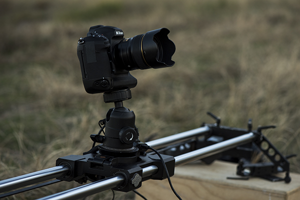 The Cinevate atlas 200 slider and motion control takes the D5 for a ride.