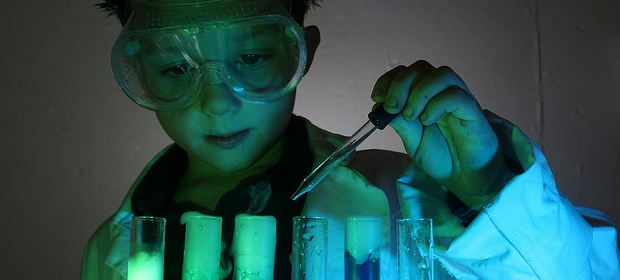 04_10_2013_kid-science.jpg