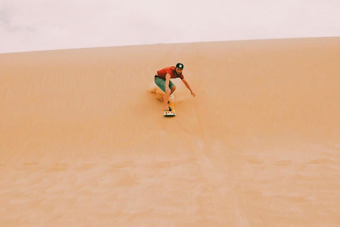 sandboarding2.jpg