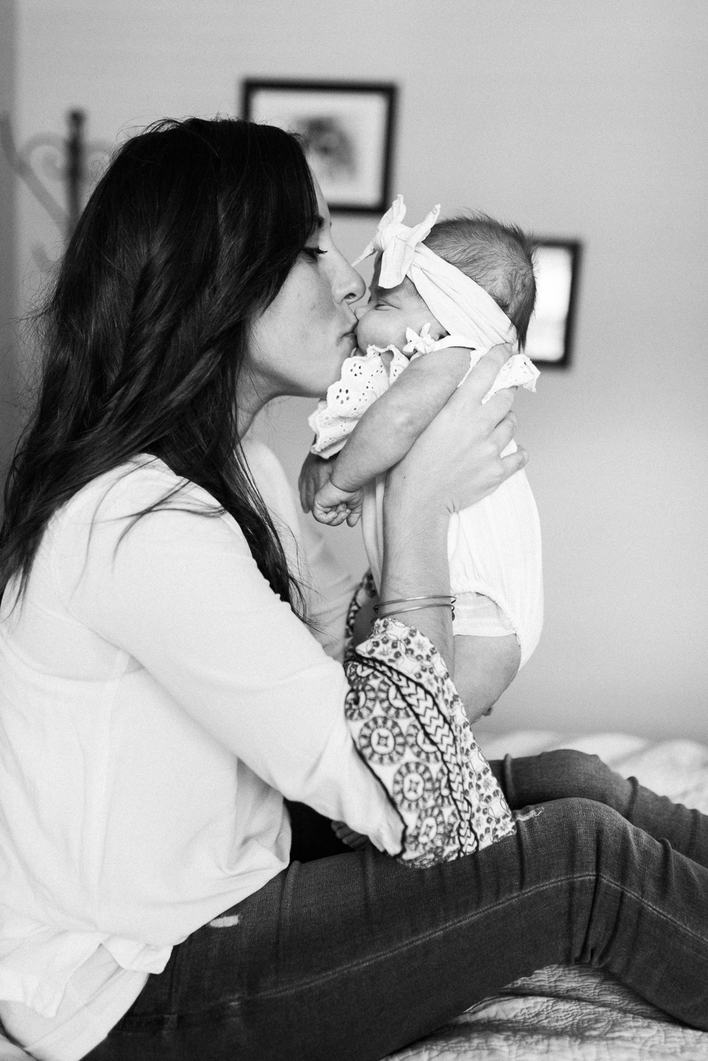 Baltimore-newborn-photographer-BKLP-in home-lifestyle-maryland-twins-photos by-Breanna Kuhlmann-12.jpg