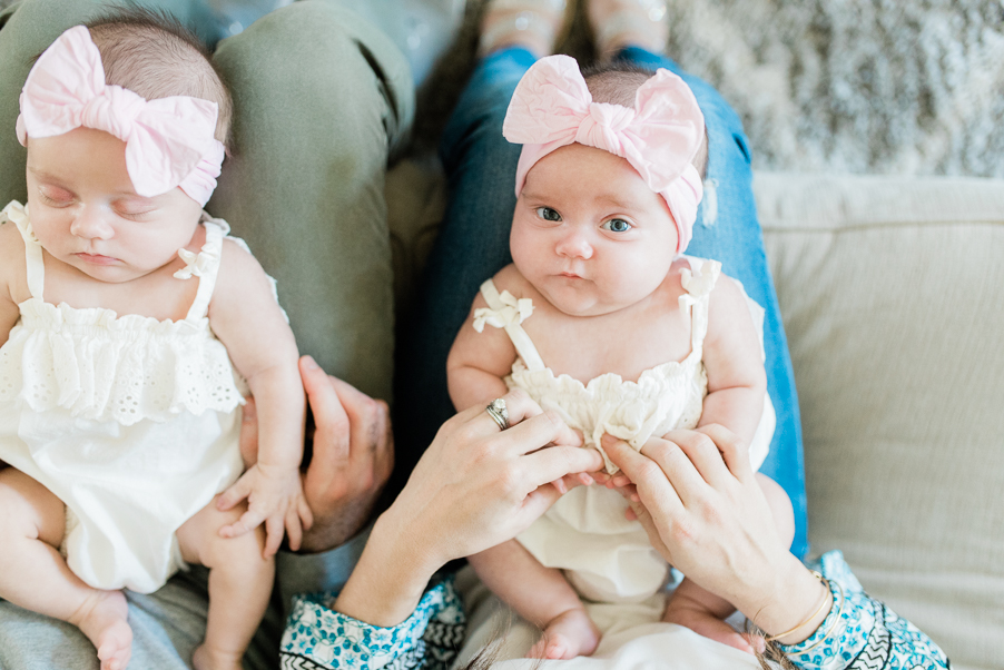 twin newborn photography- photo by breanna kuhlmann-1.jpg
