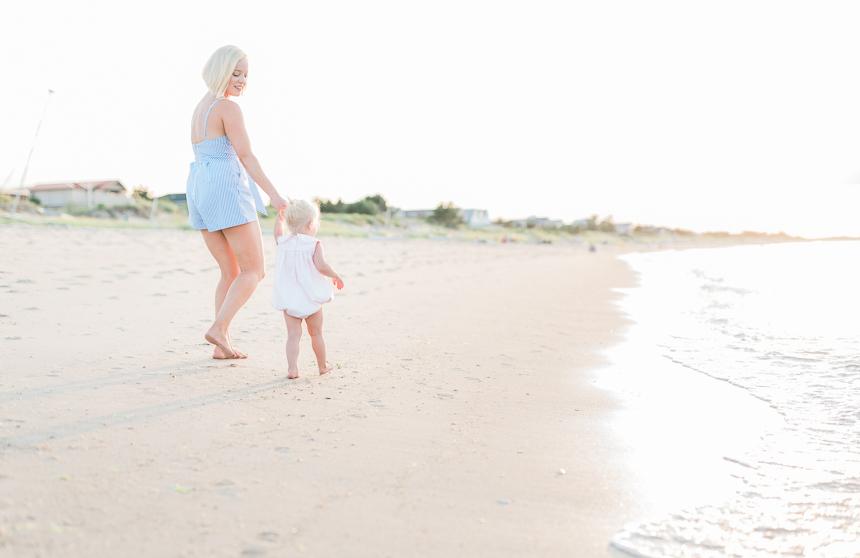 beach pictures family- photo by breanna kuhlmann-1.jpg