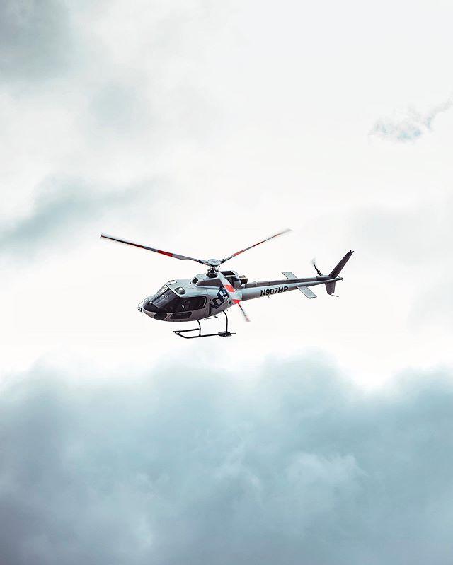 One of the best roller-coaster ride I've had 🎢🚁 . . . . . #LiveFolk  #Main_Vision#Click_Vision #EvokingNewEmotions#IGersMood  #TheCreative#IgGlobalLife #IC_Landscapes#Infinity_Shotz #Landscapephotography #Special_Shots #sonyalpha #createexplore#FeedbackNation #WildWay #snapzone #attacktheshot#moretoexplore #visual_awareness #SuperHubs #moodygrams#royalsnappingartists #earthfocus #alaska #travelalaska #visitalaska #alaskamountains #beautifuldestinations #helicopterride #helitour