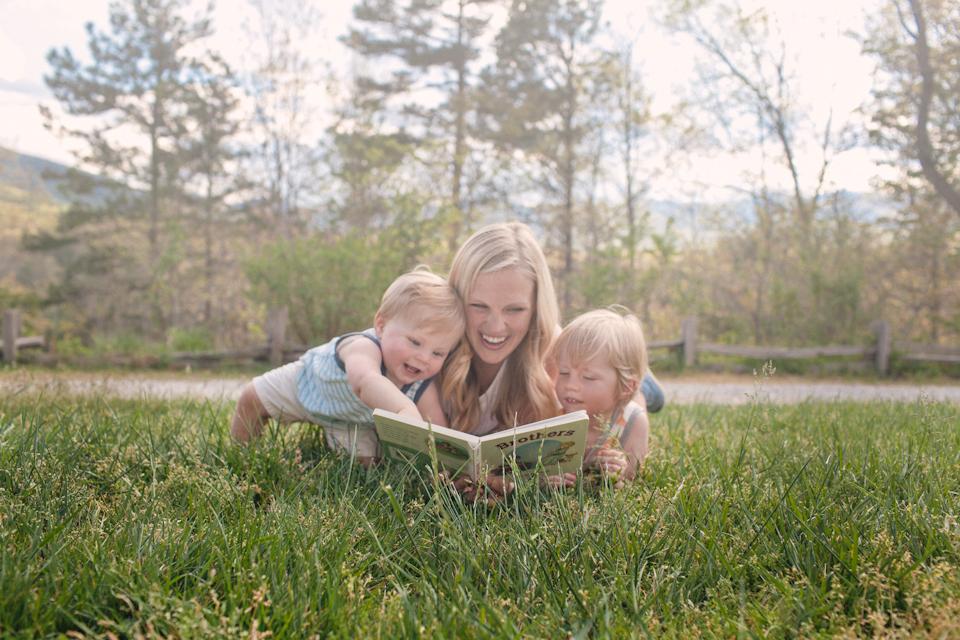 ashevillefamilyportraitphotographerstylishfamilyphotographernc1.jpg