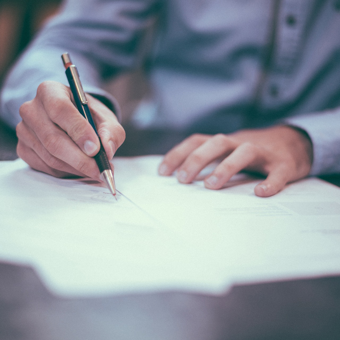 General Contract Law - We can advise you in drafting contracts and general conditions and will assist you in contractual disputes.