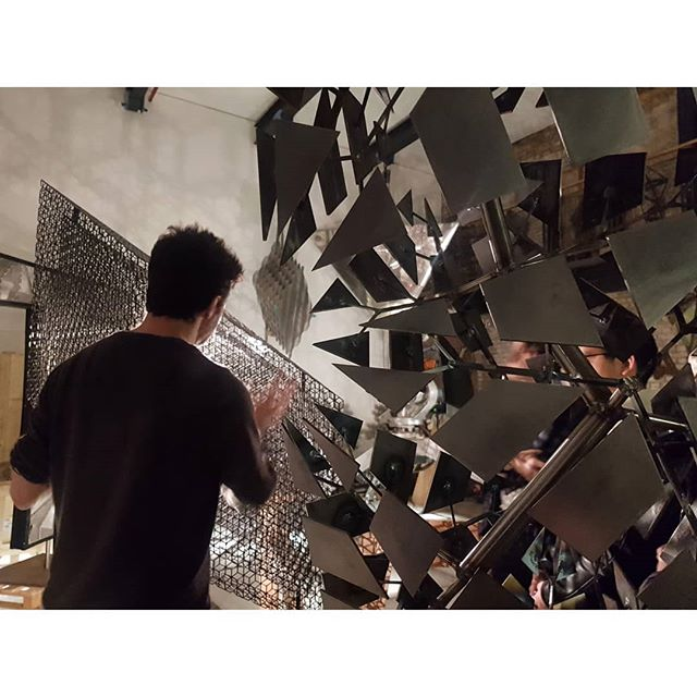 Entering another world... @conradshawcross studio with #ubsartsclub 🙏🙏. . . . . #conradshawcross #studiovisit #adaproject #paradigm #nervoussystem #ruskinschool #sculptor #sculpture #kineticsculpture #robotics #musicandart #scienceandart #artandtechnology #artandtech #inspiration #inspirationonanotherlevel #artcollecting #contemporaryart #contemporarysculpture