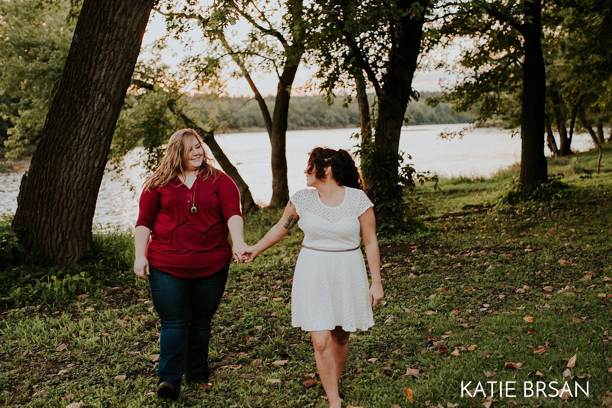 KatieBrsan-KankakeeRiverStatePark-EngagementSession_0461.jpg
