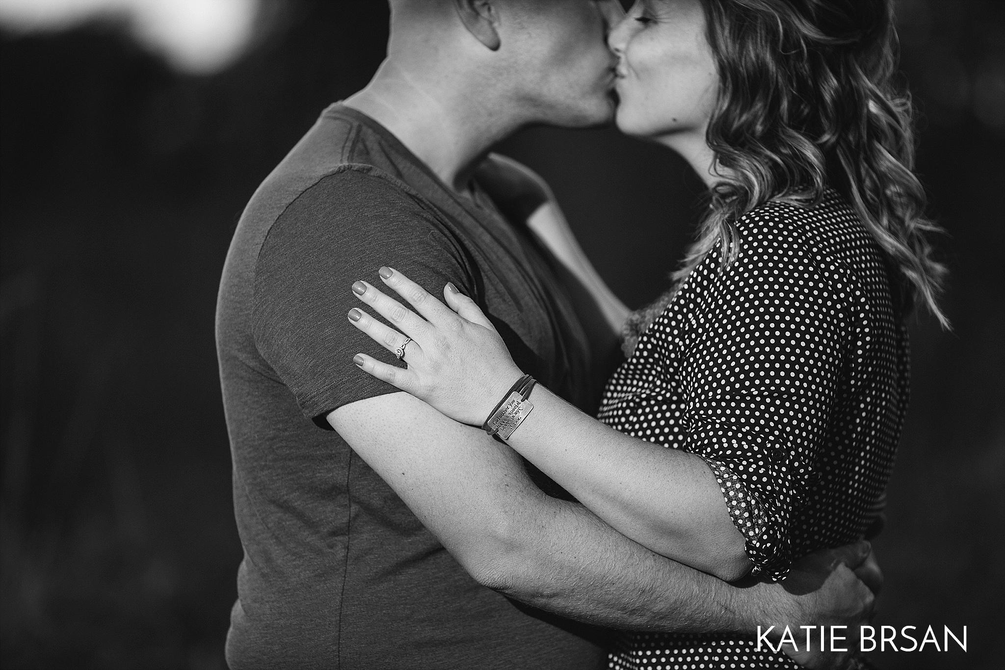 KatieBrsan-Chicago-Suburban-EngagementPictures-HadlyValley_0584.jpg