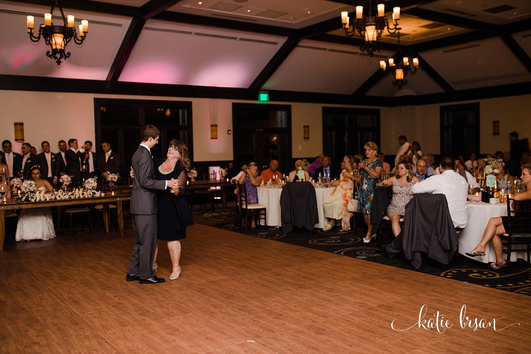 MistWoodGolfClub_Wedding_Romeoville_0813.jpg
