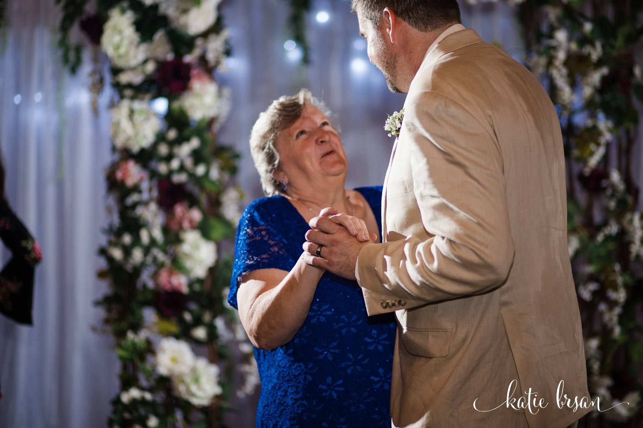 DownersGrove_BackyardWedding_GilbertsPark_1030.jpg