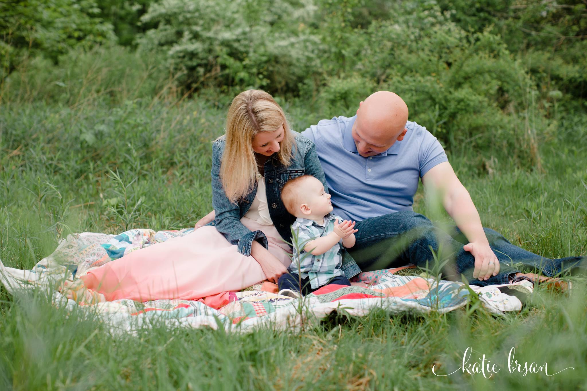 Mokena_FamilyPhotographer_9month_milestone_session_1467.jpg