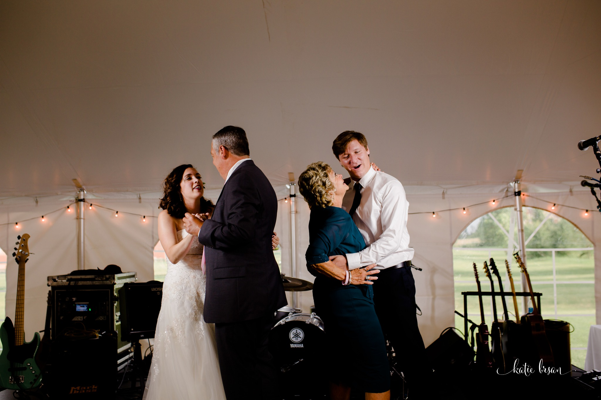Frankfort_backyard_wedding_0408.jpg